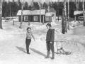 Kulspel våren 1957 (Birgitta Stenberg och Annika Åberg)
